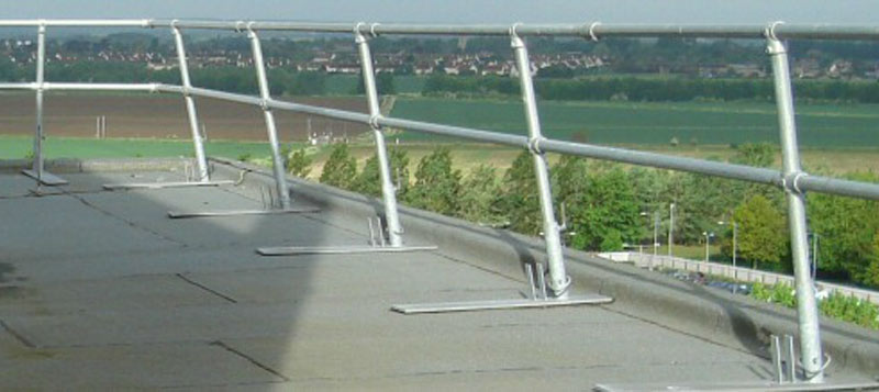 SG4 roof edge free standing guardrail system Gallery Image