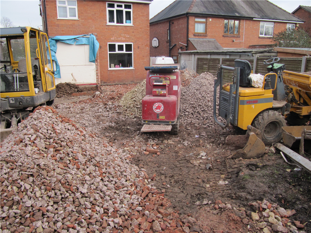 Red Rhino 4000 crusher on site Gallery Image