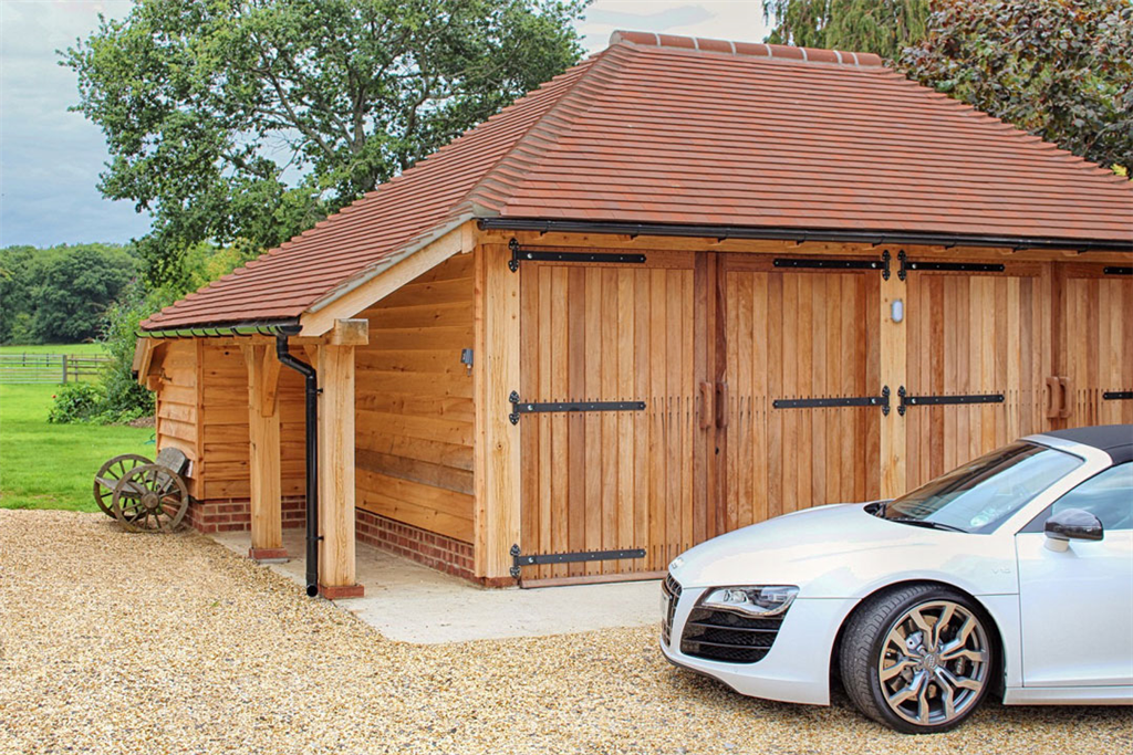 Oak barn style garage in Hampshire. Gallery Image