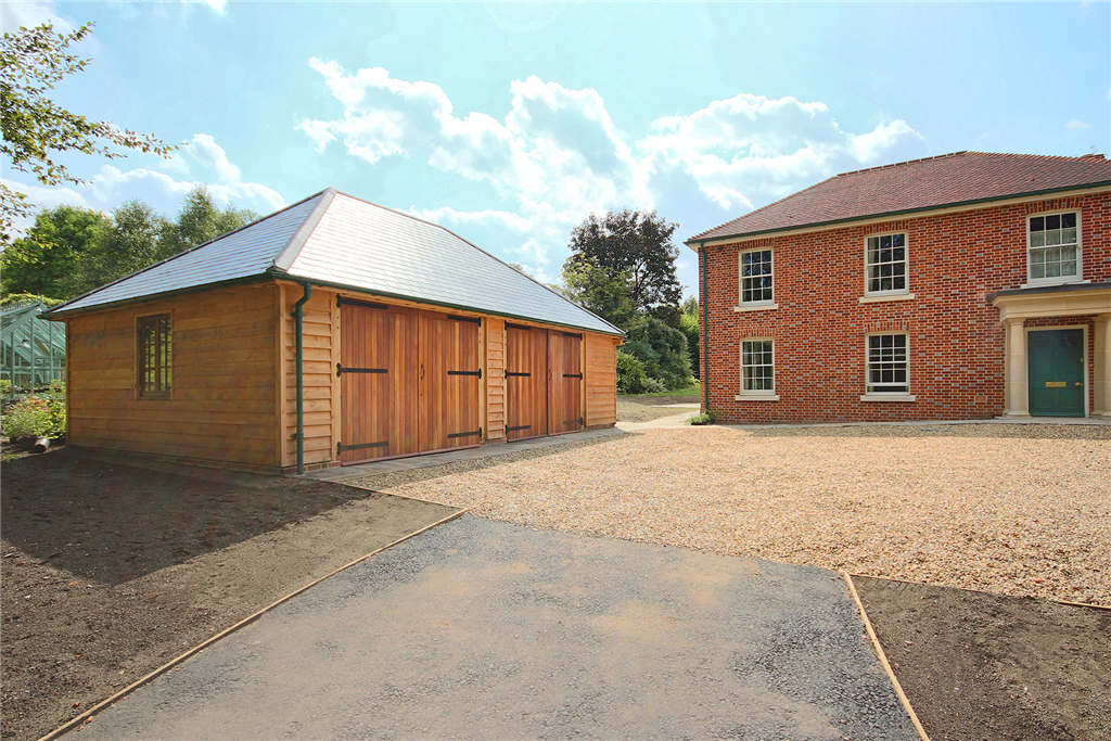 Fully hipped oak framed garage building in Petersfield Hampshire Gallery Image