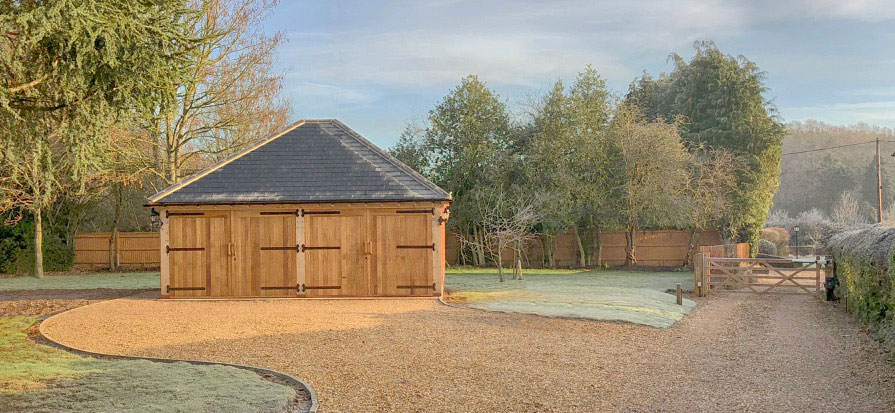 Timber oak framed twin garage Romsey Hampshire Gallery Image