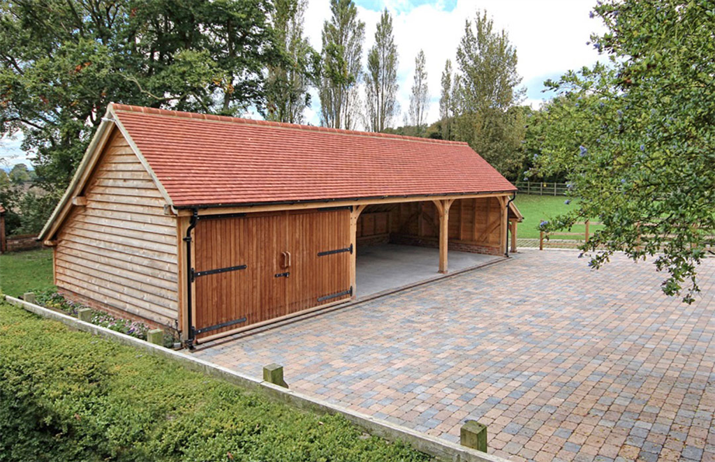 3 bay barn garage made from oak timber. Gallery Image