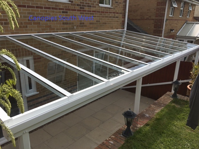 Our new range of glass verandas also available with Victorian posts and spandrils. This option is in white but can be powdercoated to any RAL colour of your choice. Gallery Image