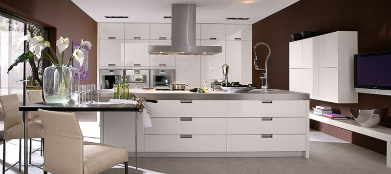 Alaris Trained And Expert Team Offers A Free Kitchen
