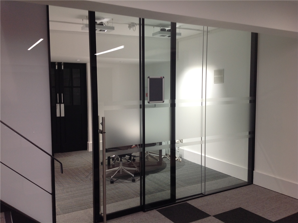 Modernglide ltd walton on thames movable walls for Sliding folding partitions movable walls