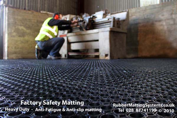 anti  fatigue matting - rubber matting systems Gallery Image