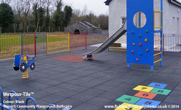 wet pour - tile  - rubber matting systems - commercial playground Gallery Image