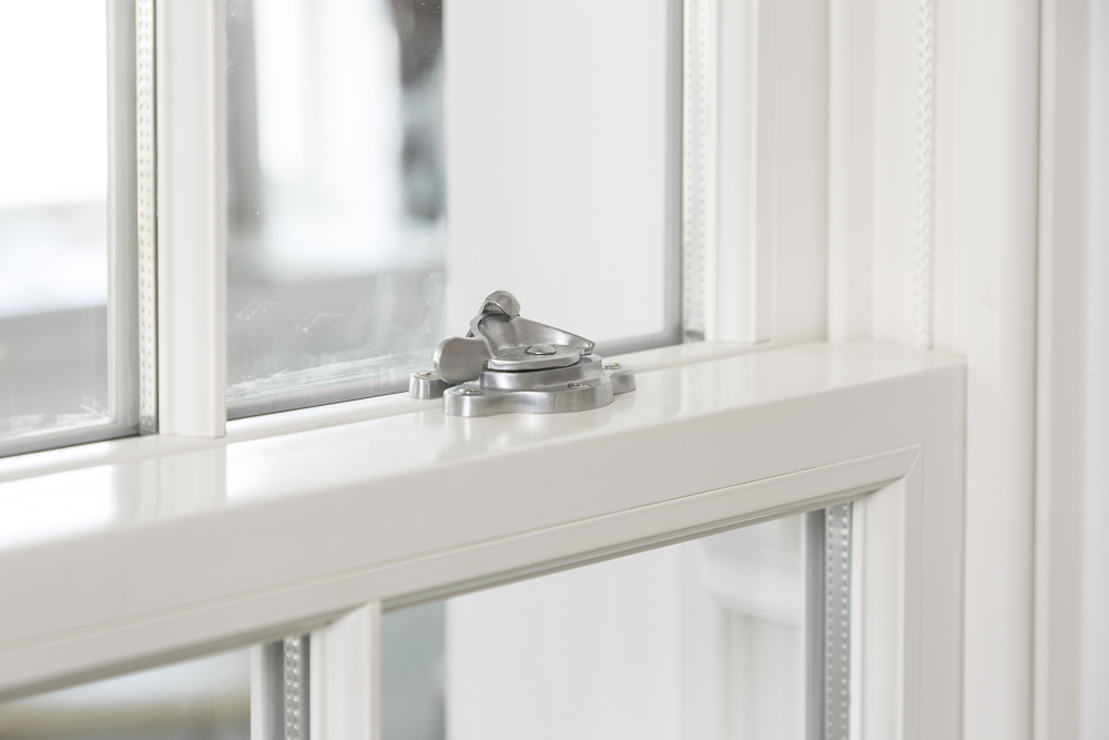 Sash locks for Cardinal sliding sash windows Gallery Image