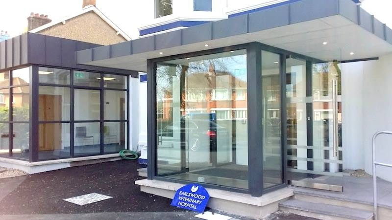 Structural glass entrance porch at Earlswood Vet, Belmont Road Gallery Image
