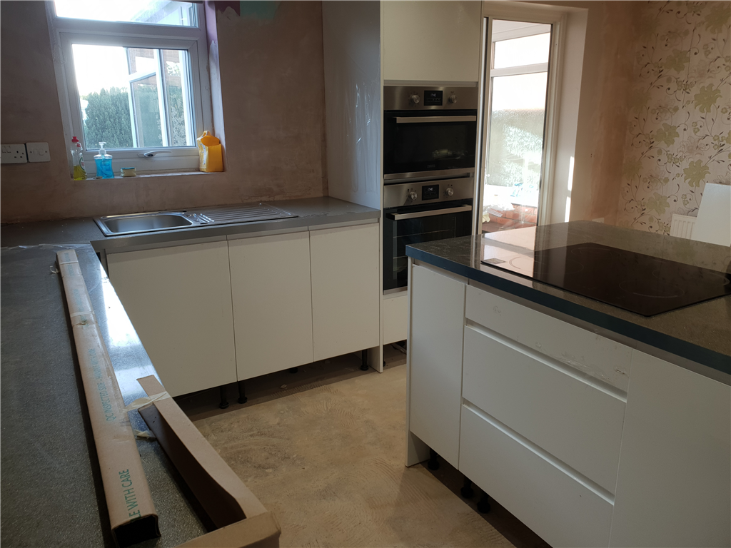 fitting island worktop Gallery Image