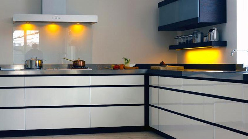 Kitchen fitting Gallery Image