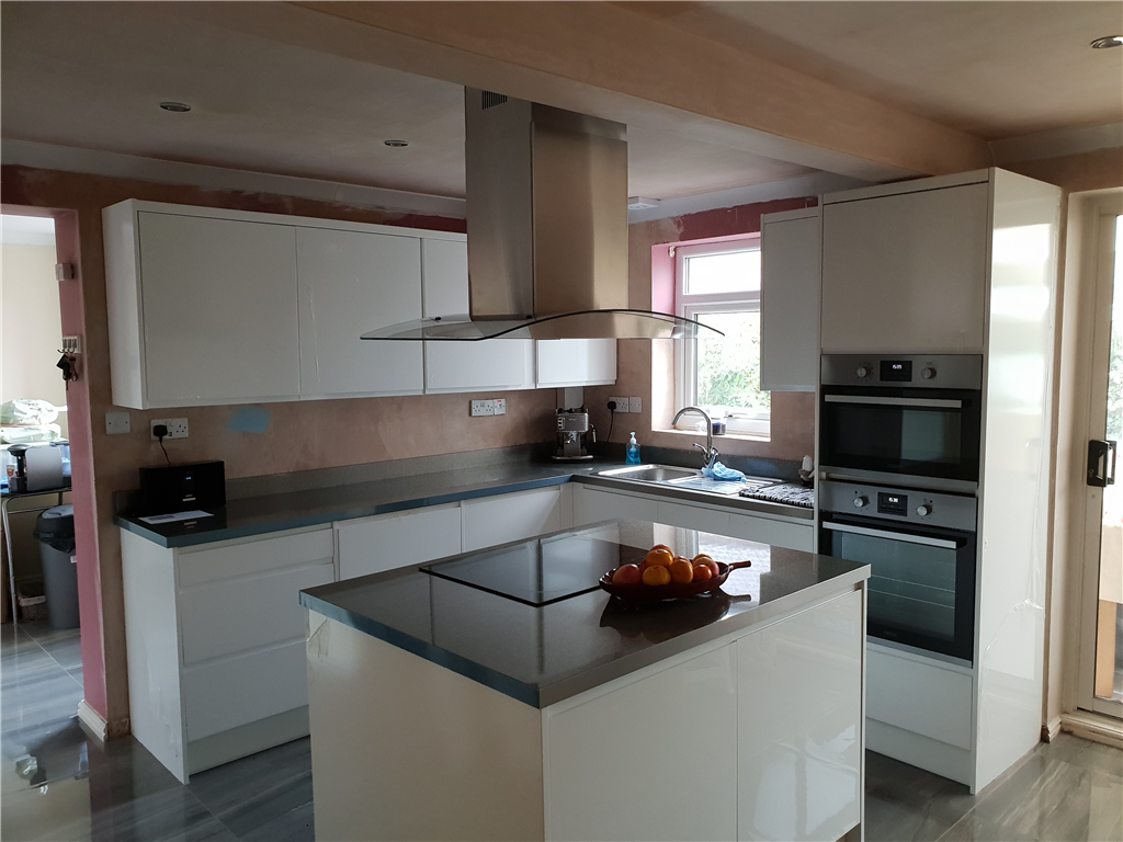 completed kitchen with ceiling mounted extractor Gallery Image