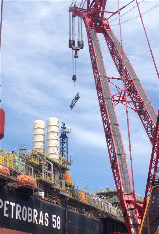Erecting a Comansa LC290 in Brazil Gallery Image
