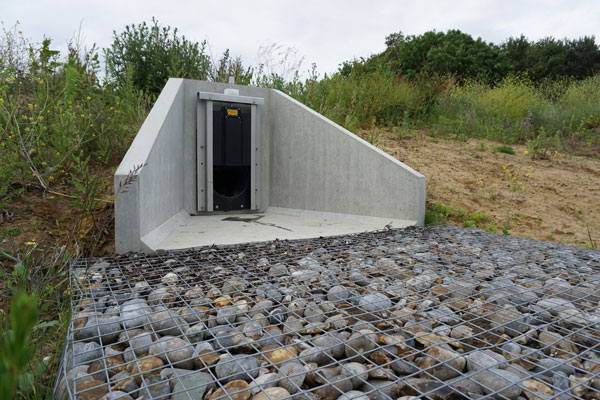 Precast concrete headwall with penstock fitted  Gallery Image