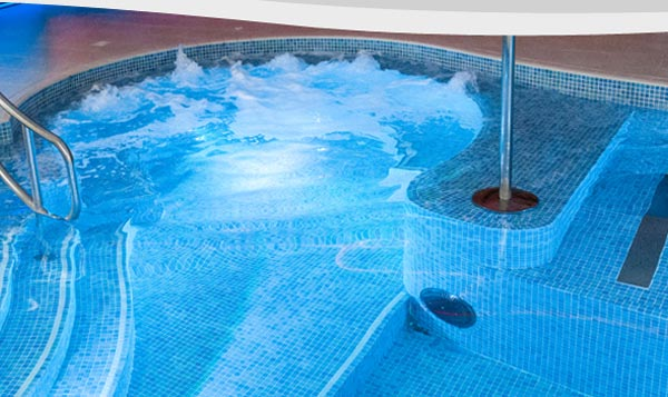 Grayfox swimming pools limited lincoln swimming pool for Swimming pool design uk