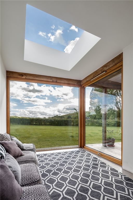 Traditional cottage extension enhanced by a fixed rooflight