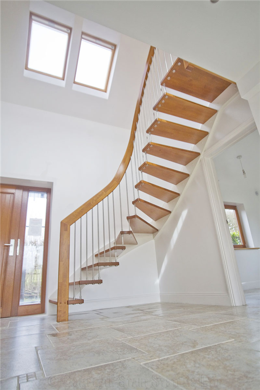 Bespoke Oak 1/4 Turn with floating treads, cover painted stringer and curved handrail Gallery Image
